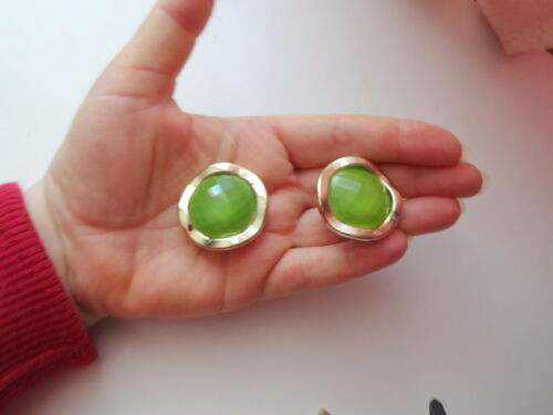 Vtg Retro 60s Gold Tone Green Faceted Stone Chunky
