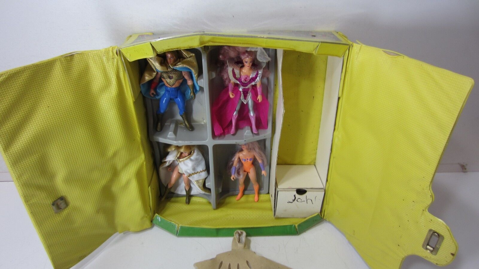 Lot of 4 SHE RA Vintage Dolls + Collector's Case