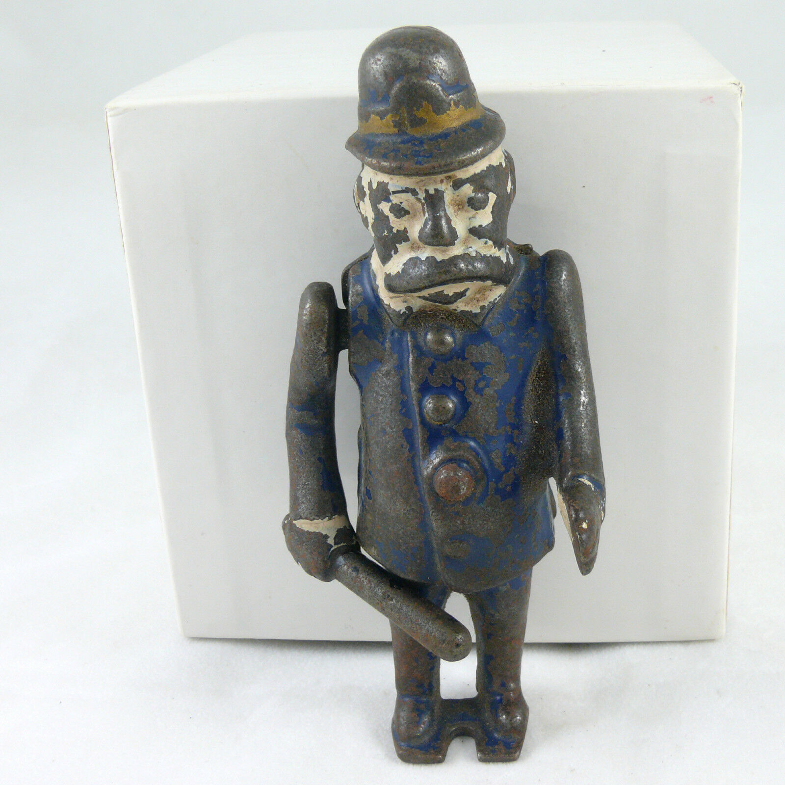 1910 LARGE HAPPY HOOLIGAN PATROL POLICEMAN IRON FIGURE FOR COMIC CHARACTER TOY