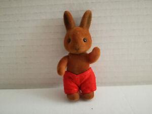 Simba-Baerenwald-Hase-Kind-Junge-kleiner-Bruder-rote-Shorts-8-cm