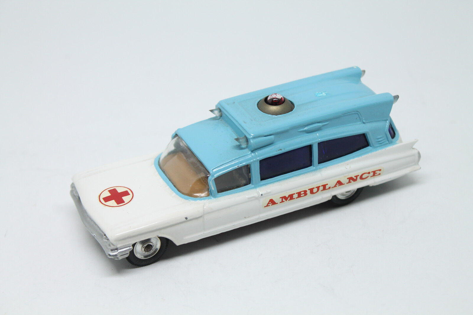 CORGI TOYS * CADILLAC superior Ambulance * TOP