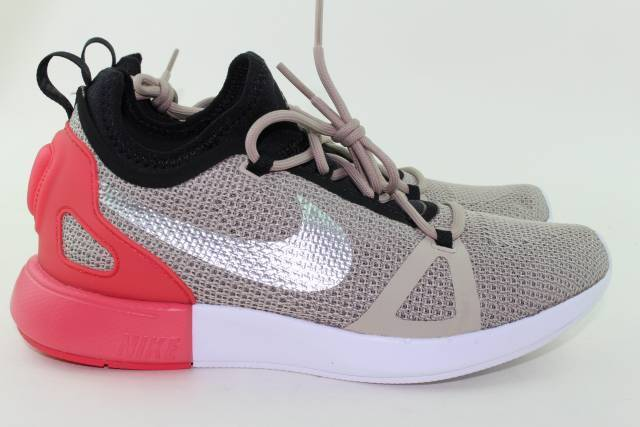 NIKE DUEL RACER WOMAN SIZE 8.0 STRING CHROME NEW RUNNING COMFORTABLE