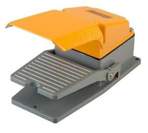 Fussschalter-LT4-mit-Schutzhaube-Trittschalter-Fusspedal-Schalter-Fernschalter