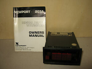 Digitales-Panel-Voltmeter-Typ-Newport-203A