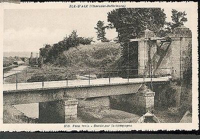 17 Ile d'Aix - pont levis, sortie sur la campagne