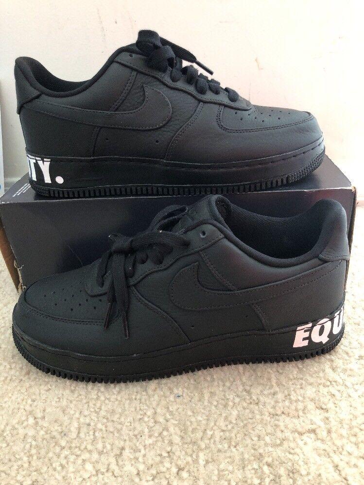 Nike air force cmft 1 basso cmft force l'uguaglianza degli uomini bianchi e neri aq2125 sz 001 10 858b76