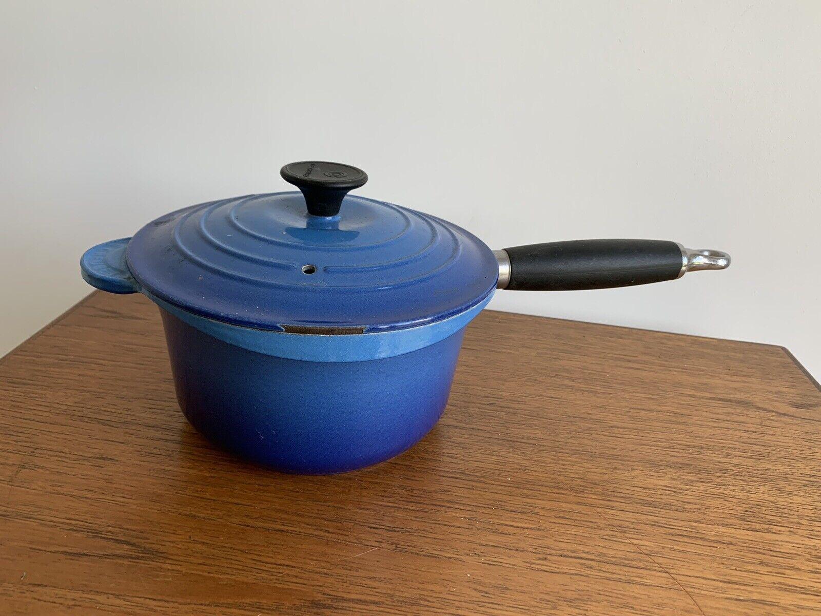 Le creuset bluee Saucepan Size 18