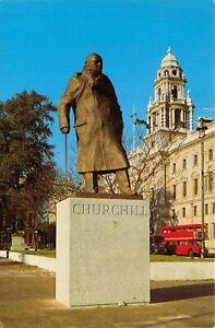 Vintage-London-Postcard-The-Winston-Churchill-Statue-Parliament-Square-HX0