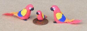 1:12 Scale 2 Parents & Bébé Rouge Perroquet Maison De Poupées Miniature Oiseaux Exotiques P9-afficher Le Titre D'origine Vente De Fin D'AnnéE