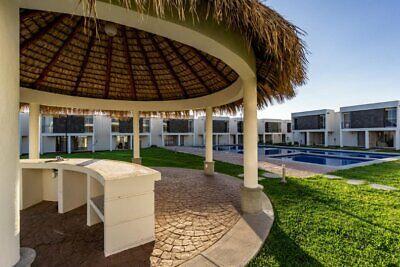 Hermosa casa con alberca, parque para mascotas, canchas deportivas a 15 minutos de Oaxtepec.