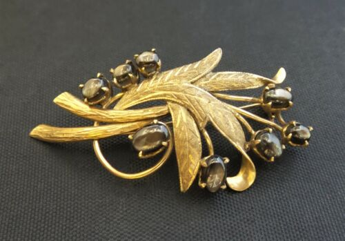 10K Yellow Gold Star of India Gemstone Leaf Pin Br