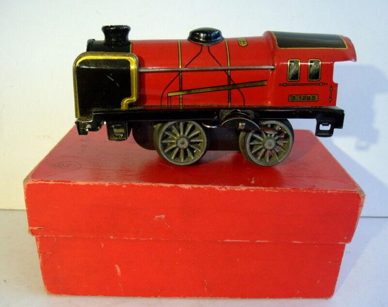 Locomotive mécanique M , avant guerre, avec boîte