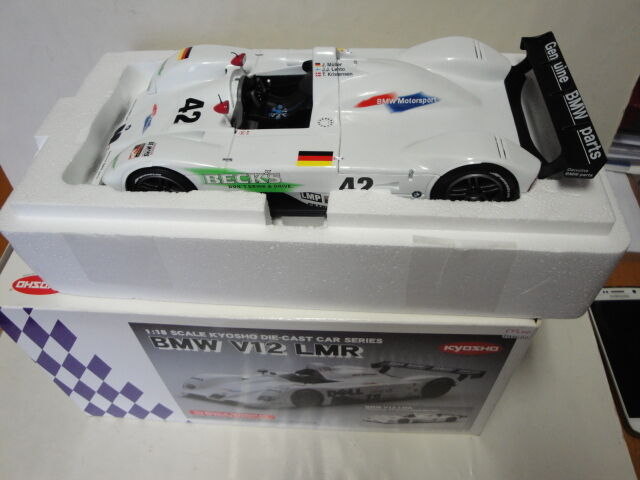 Bmw v12 lmr sebring 12 h 1999   42 1   18 kyosho neue mit box
