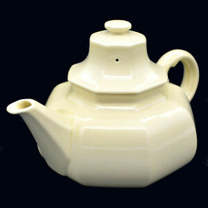 Mikasa-034-CONTINENTAL-IVORY-034-Teapot-and-Lid-5-cup-capacity-LIKE-NEW
