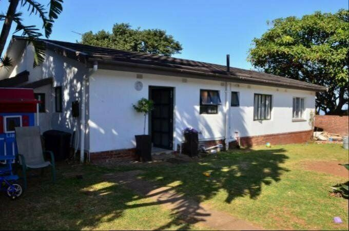 3 Bedroom with 1 Bathroom House For Sale in Bluff Kwa-Zulu Natal