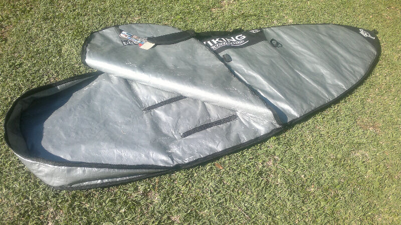 Board best Protection.. keep it new and safe! Sun-reflective ribbed padded board bag.