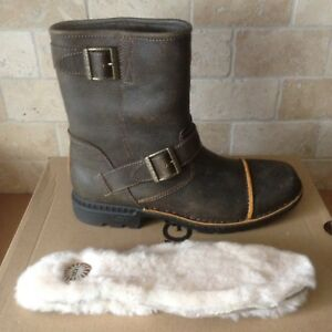 cecb7469d2b Details about UGG ROCKVILLE II DUNE WATERPROOF LEATHER SHEEPSKIN MOTO BOOTS  SIZE 8 MENS