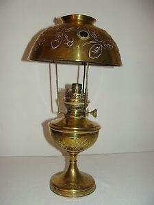 ancienne grande lampe a petrole parisienne cabochon en. Black Bedroom Furniture Sets. Home Design Ideas