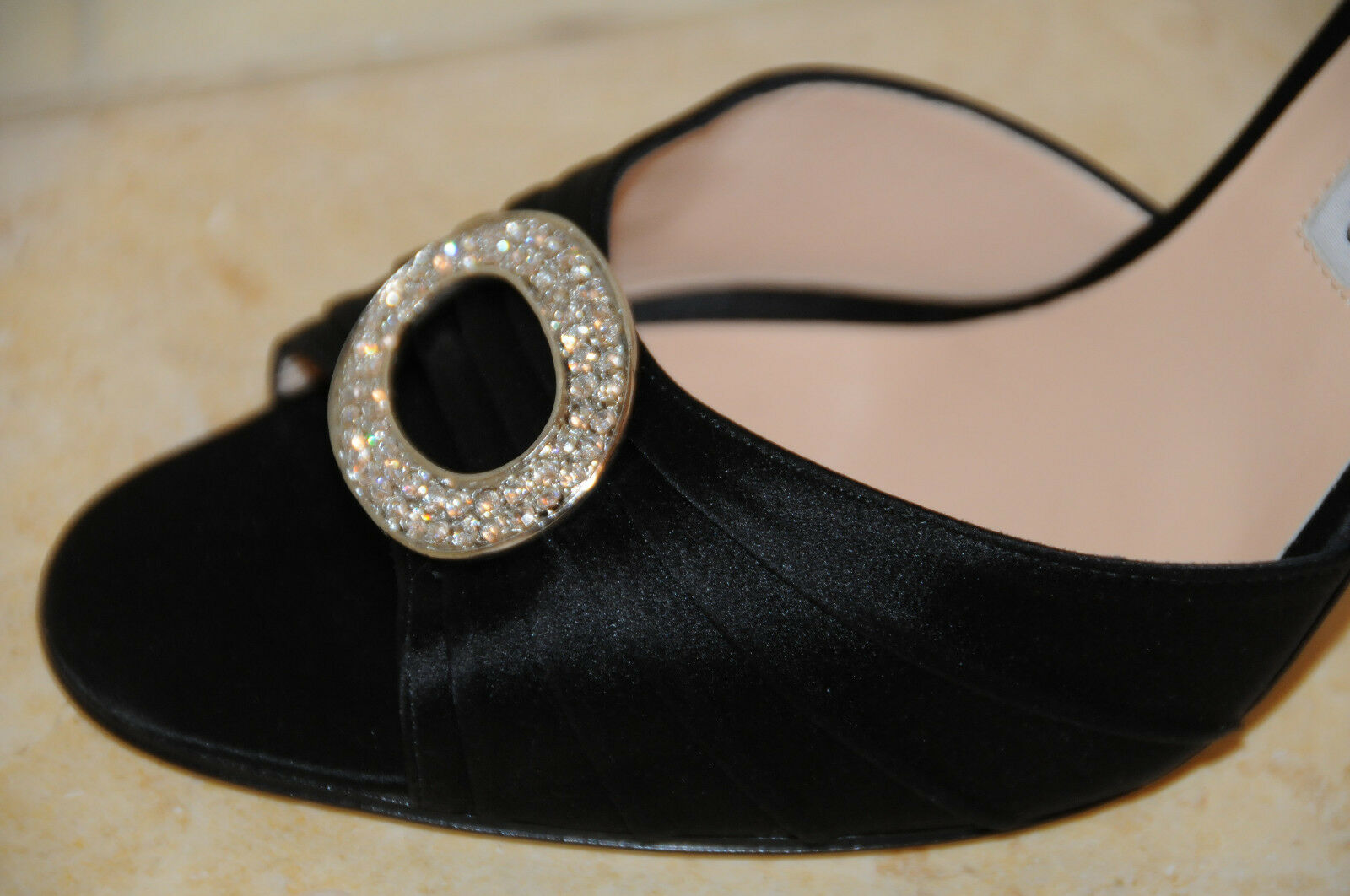 qualità ufficiale Nuovo Manolo Blahnik Sedaraby 105 Nero argentoo argentoo argentoo Satinato Ingioiellato Scarpe 42  a buon mercato