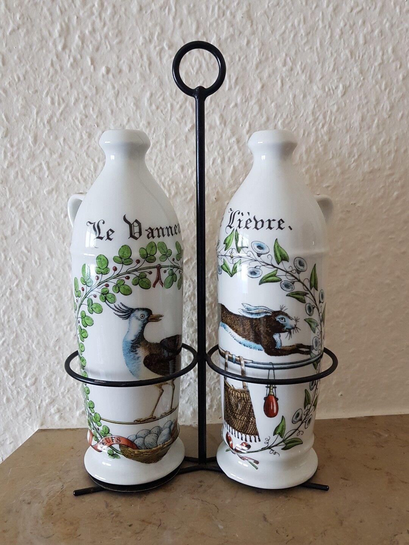 Gestell mit Porzellan Flaschen für Essig und Öl Frankreich decor Chambord
