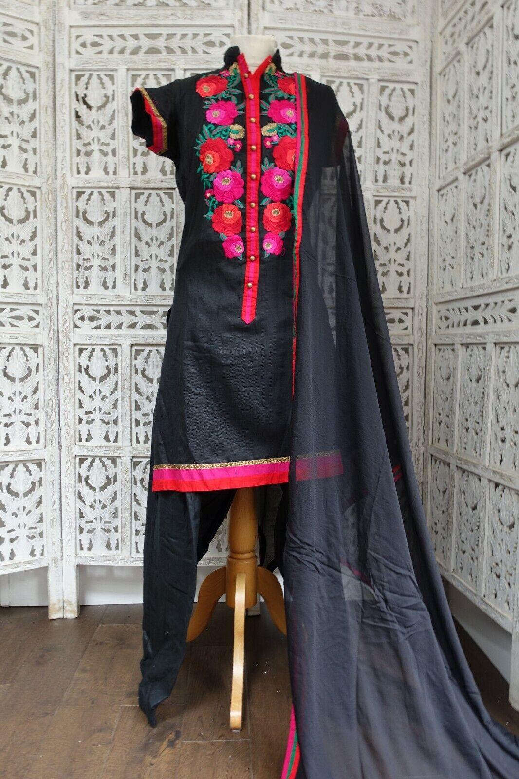 Black floral Indian salwar kameez UK Size 14 / EU 40 – preloved - SKU16583