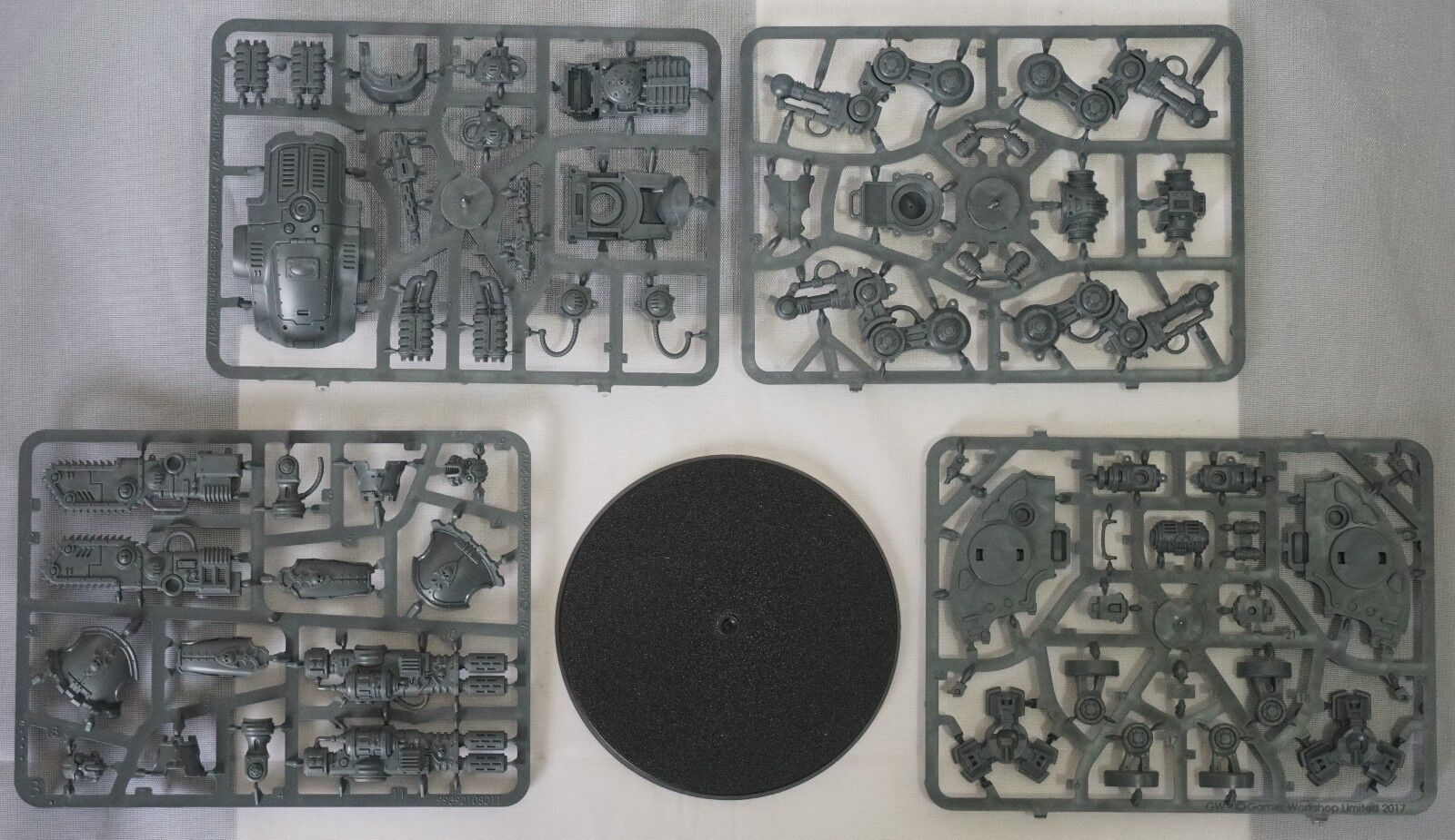 Warhammer 40k Imperial Knight Armiger Warglaive (1 Model) Warglaive