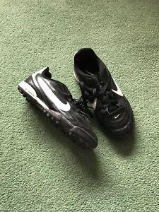 boys size 13 football boots