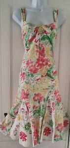 Mujeres-Per-Una-Rosa-Verde-Floral-Con-Tiras-Apliques-Kick-Pleat-Flippy-Vestido-Midi-8