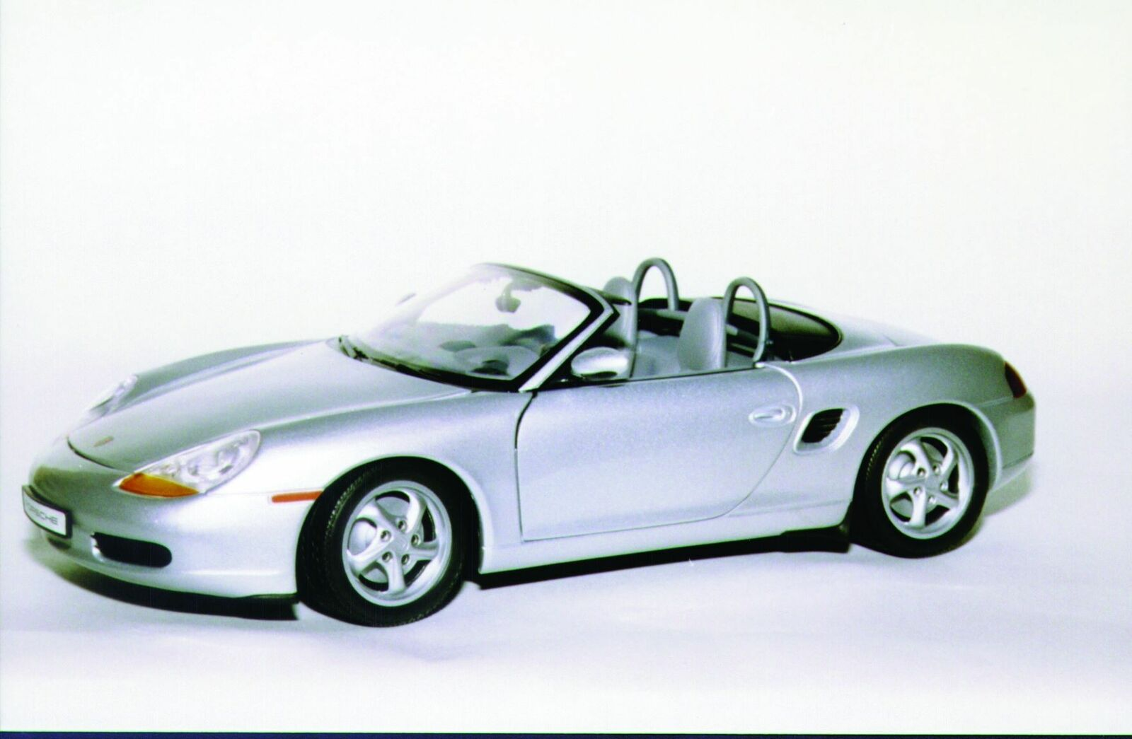 1 18 UT Models Porsche Boxter Cabriolet