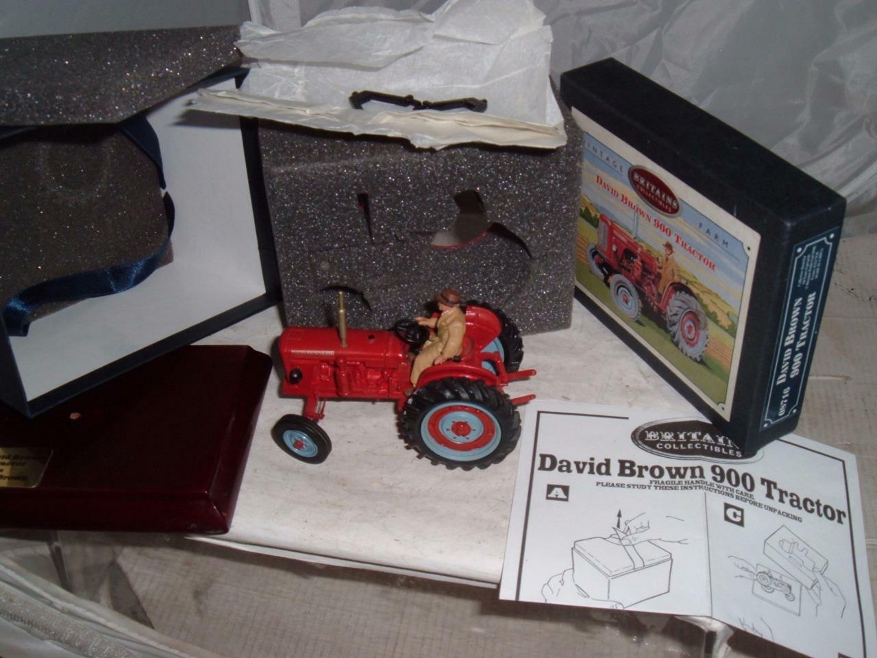 BRITAINS DAVID BROWN 900 TRACTOR COMPLETE WITH ITS DRIVER BOX & PAPERWORK