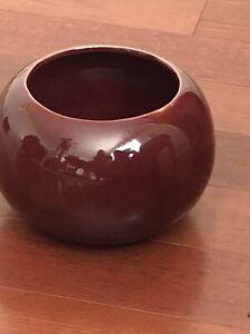 Vintage-Haeger-Pottery-Burgundy-Red-Pot-Planter