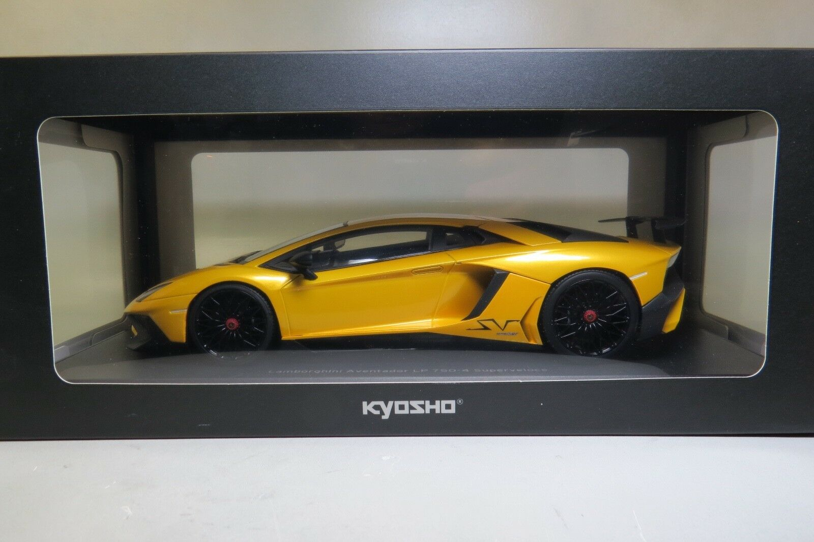 Kyosho 1 18 Scale C09521Y Lamborghini Aventador LP 750-G Superveloce Yellow