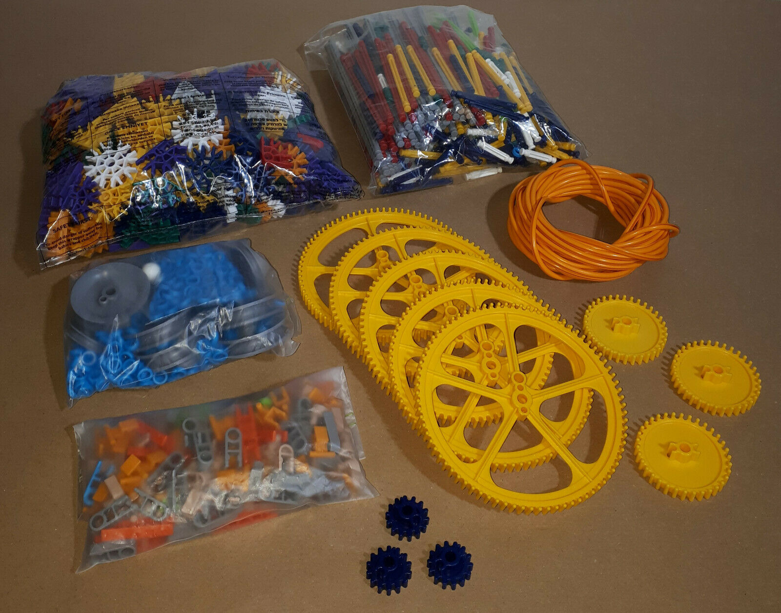 Assorted Loose K'Nex 2.2KG Bundle Rods Connectors Gears etc