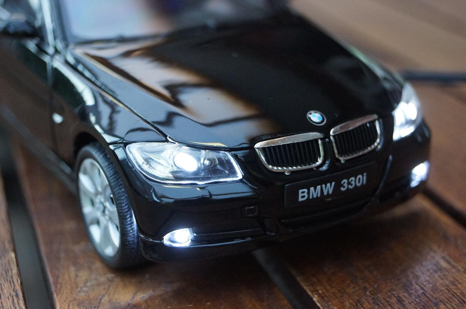 BMW 330i 3-ER E90 MIT XENON(BELEUCHTUNG)WELLY SCHWARZ IN 1 24