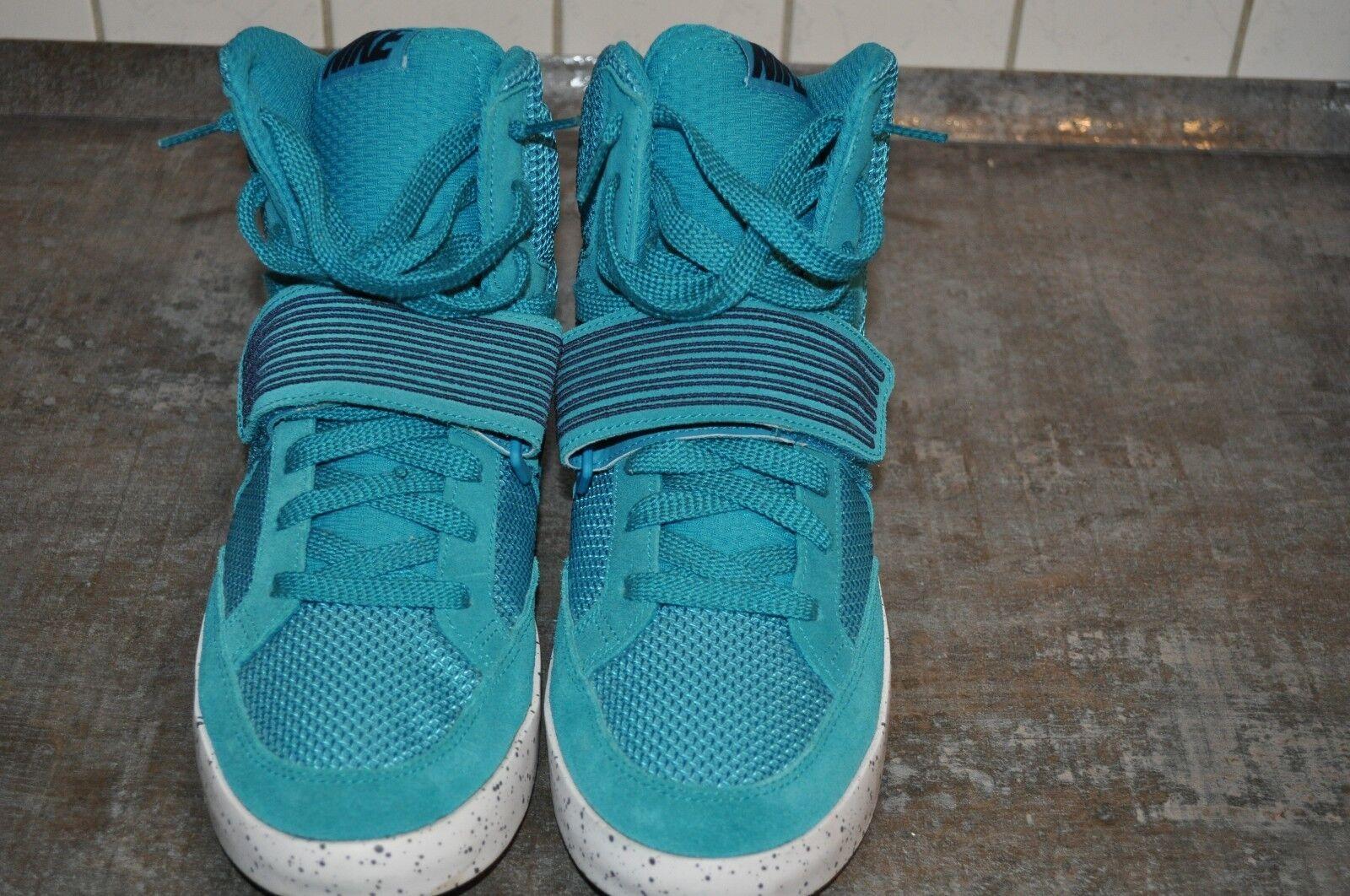 Nike NSW Skystepper Sneaker Gr 44,5 Farbe gruen/schwarz