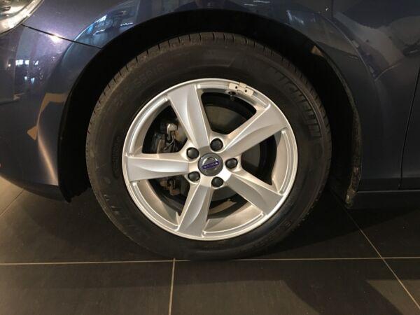 Volvo V40 1,6 D2 115 Momentum Drive-E - billede 4