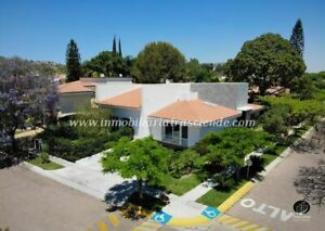 Residencia de Lujo en Venta Coto Bugambilias Zapopan zona Palomar