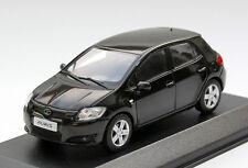 Minichamps Toyota Auris 5-türig - Modell  E150 Bj. 2009-2014, M. 1:43, schwarz