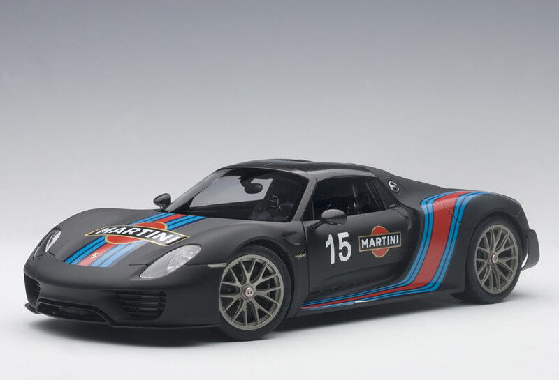 punto de venta de la marca Autoart Porsche 918 Spyder Weissach Weissach Weissach Paquete Negro Mate Martini 2013 0.1cm  ganancia cero