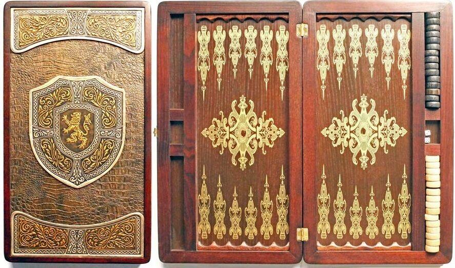 Hecho a mano Backgammon Set Graf Board de grabación en relieve en cuero de excelente calidad latón
