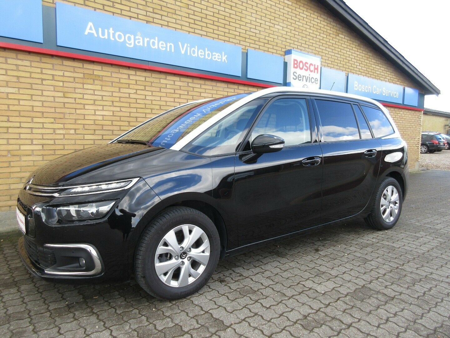 Citroën Grand C4 SpaceTourer 1,6 BlueHDi 120 Intensive+ EAT6 5d