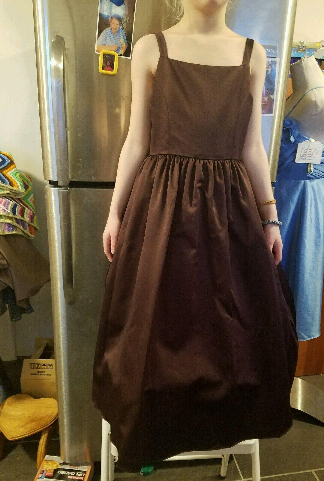David's Bridal junior bridesmaid dress size 8 truffle sleebelss floor length sy