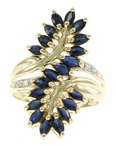 bluee Sapphire and Diamond Ring in 10kt Yellow gold