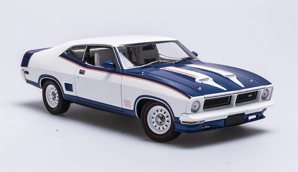 1 18 Biante - Ford XB Falcon Hardtop - John Goss Special - Apollo bleu