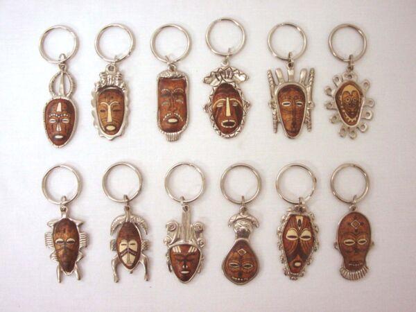 (26924) Portachiavi Metal Legno Maschera Africa Etnico Variato Prezzo Più Conveniente Dal Nostro Sito