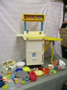Vintage-Fisher-Price-Fun-Food-Kitchen-fridge-stove-oven-Sink-huge-lot-dishes-a
