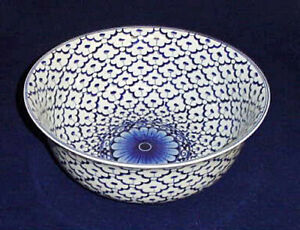 DECORATIVE-BOWLS-034-GRAND-PALACE-034-BLUE-amp-WHITE-PORCELAIN-CENTERPIECE-BOWL