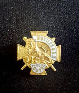 A0272-Insigne-des-Mutiles-amp-Combattants-du-Louvre-1914-1918-WW1-French-badge