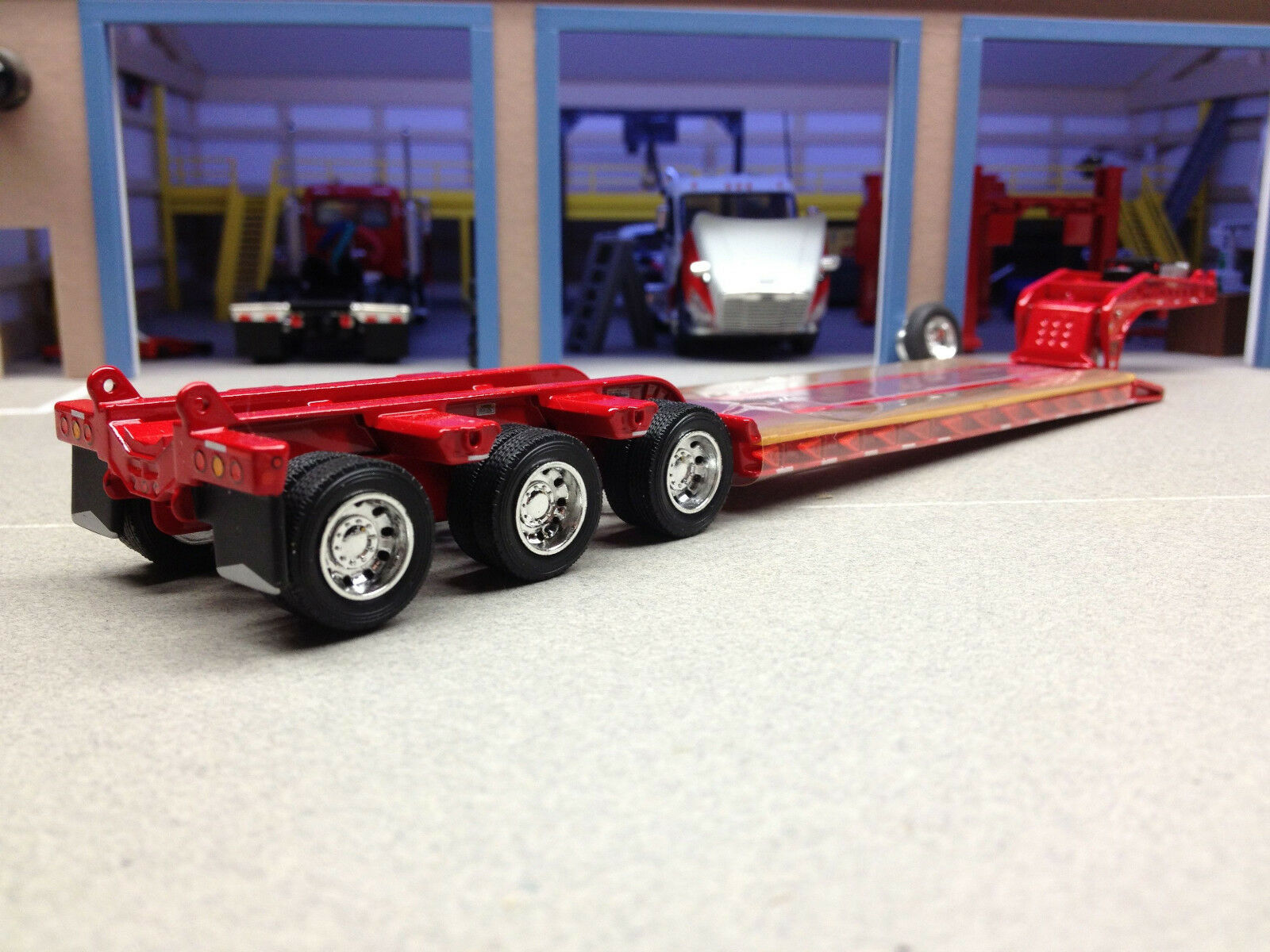 1 64 DCP RED FONTAINE MAGNITUDE LOWBOY TRAILER