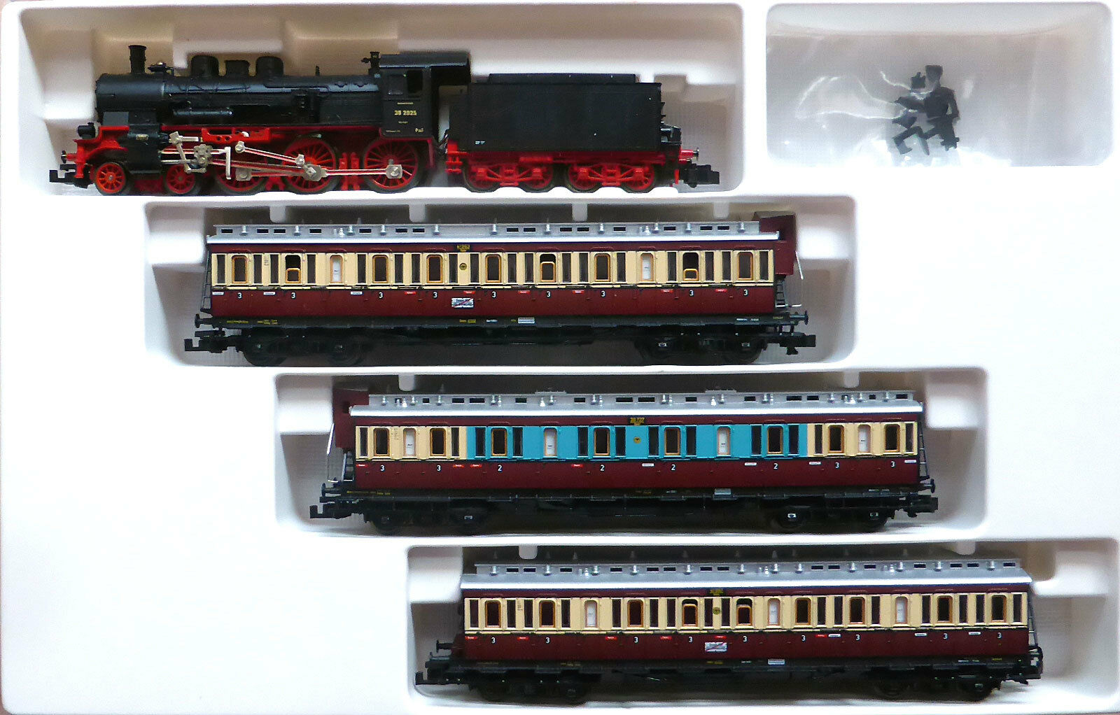Fleischmann N 7888; Set de tren  Ruhr - servicios express  BR 38 DRG, en caja original   H414